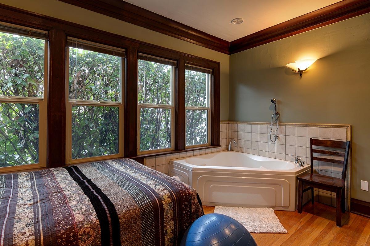 Birthing-Room-Interior