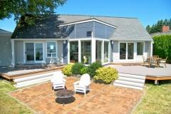 Cliffside-Modern-Beach-House-1