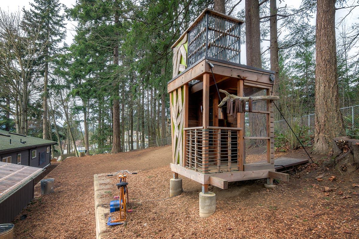 Green-Treehouse-Install